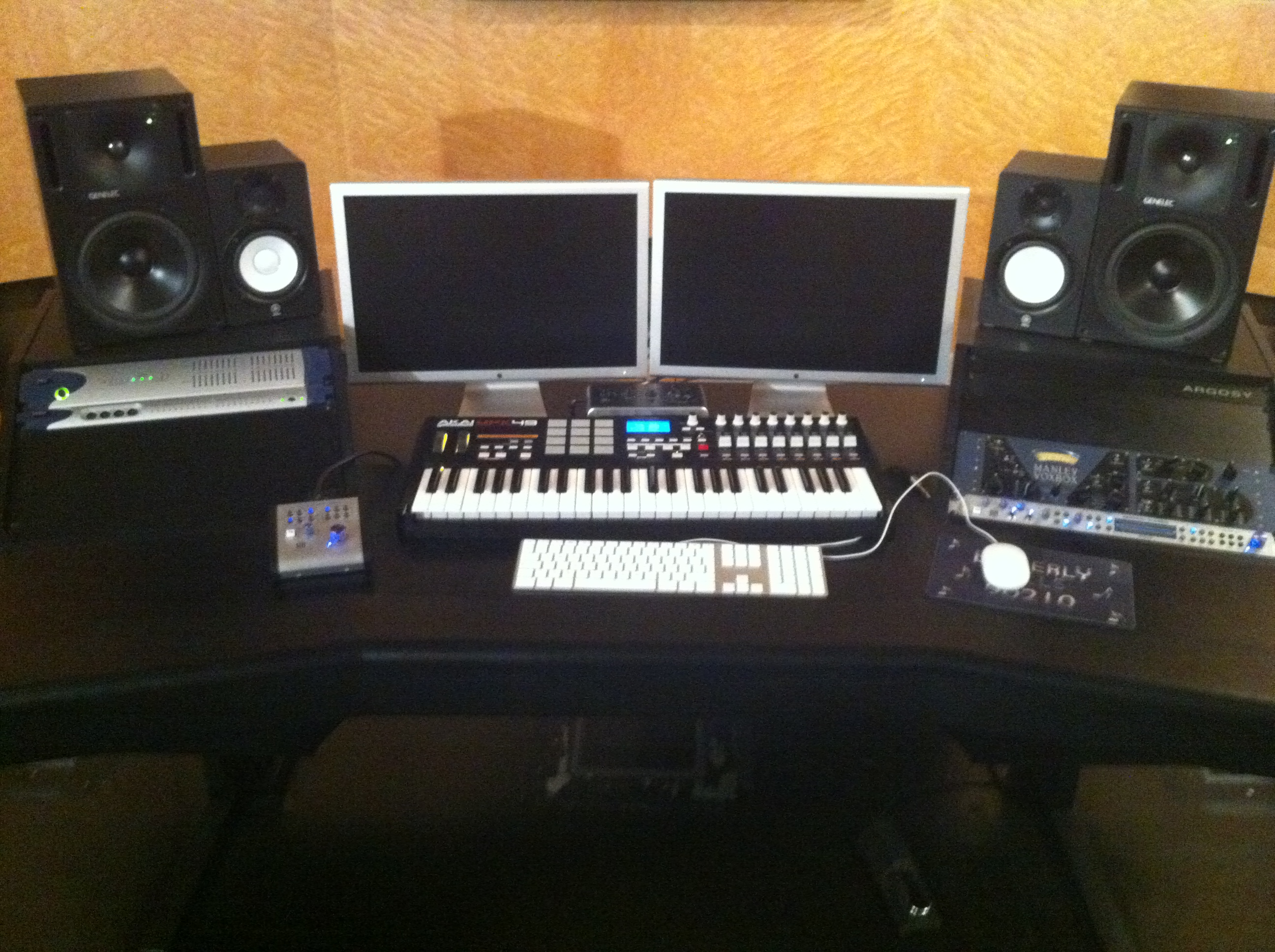 audio recording desk plans